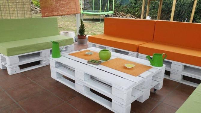 Stůl a lavice z palet
